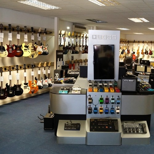 Leading Guitar Brands including Fender, Ibanez, Marshall, Blackstar and more!